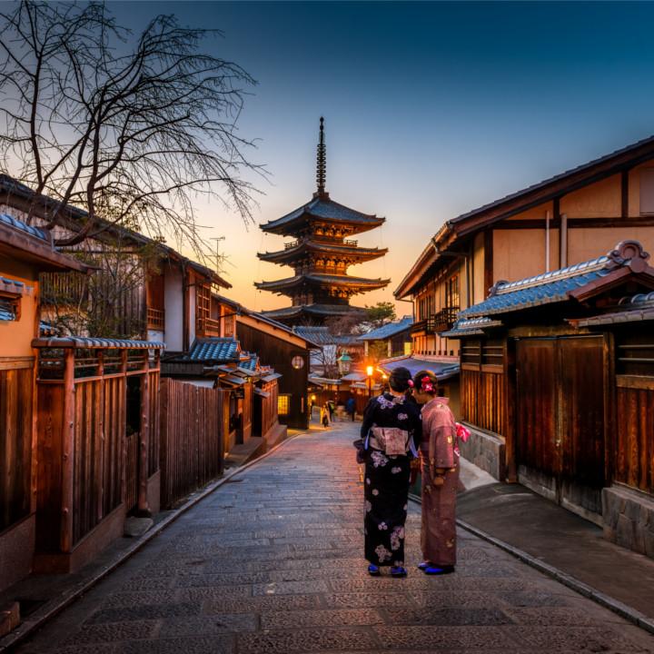 収入が安定しづらい反面観光地を巡る楽しさがあるツアーナース